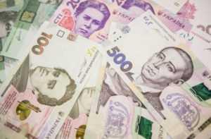 Іноземці посилили свої вимоги до грошових переказів з України