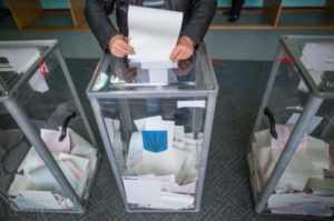 Членам ОВК на 208 окрузі де балотується Ляшко, які зривають підрахунок голосів, загрожує кримінальна відповідальність
